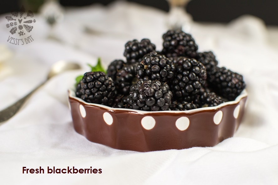 Mascarpone with blackberries  (1 of 1)-4