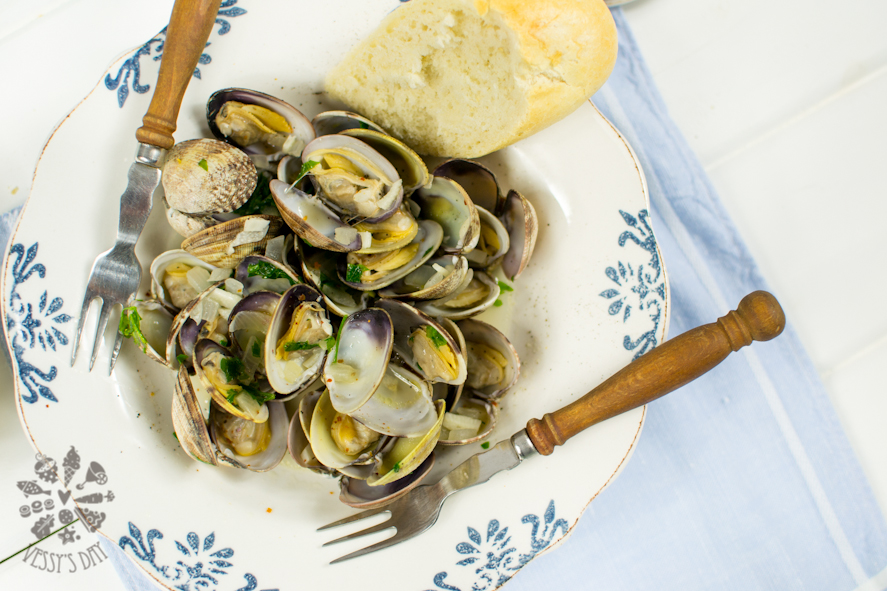 Steamed clams (1 of 1)-11