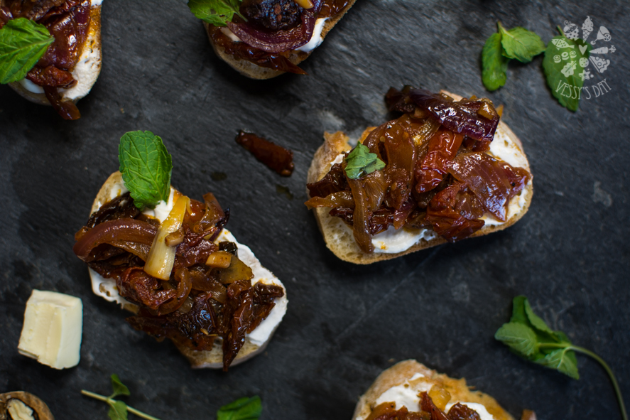 Crostini with sweet onions (1 of 1)-4