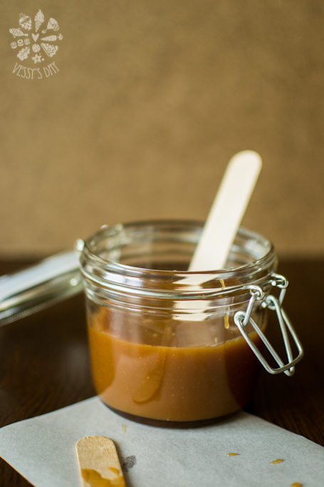 Salted caramel sauce (1 of 1)-2