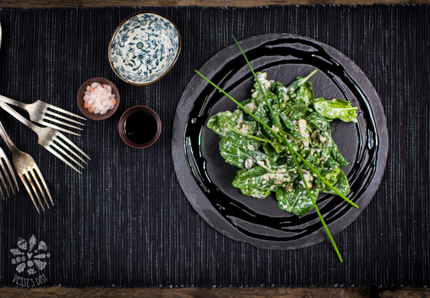 Salad with spinach and quinoa-1