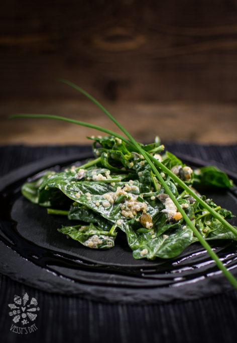 Salad with spinach and quinoa-2