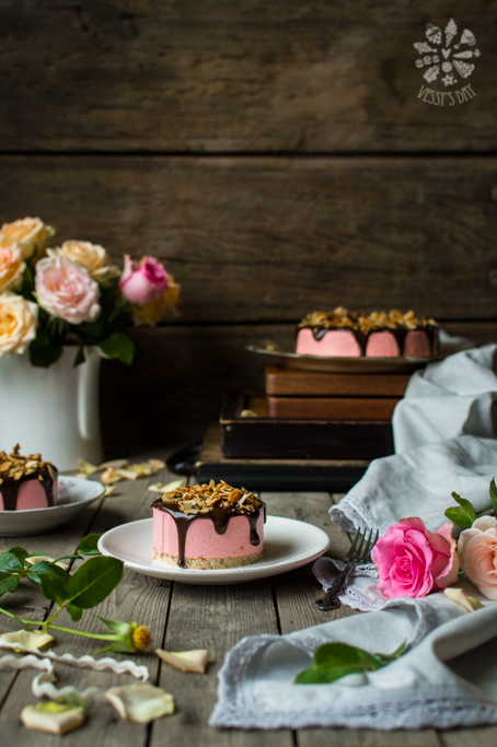 Тортички с черешов мус и шоколад