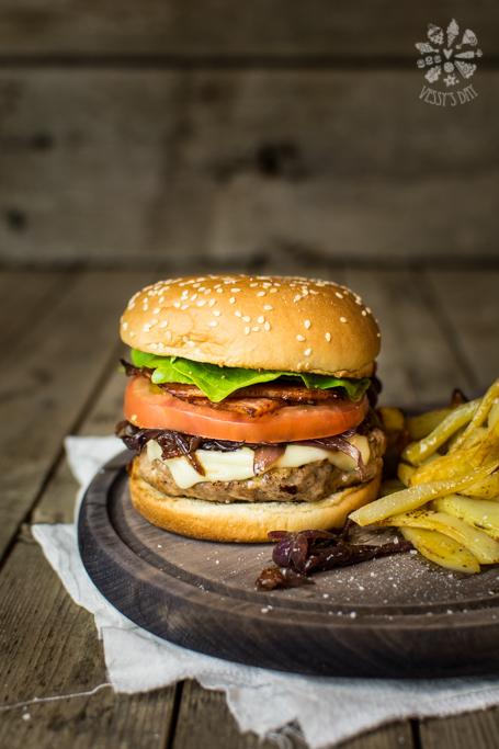 Домашен телешки бургер