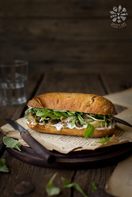 Сандвич с печен патладжан