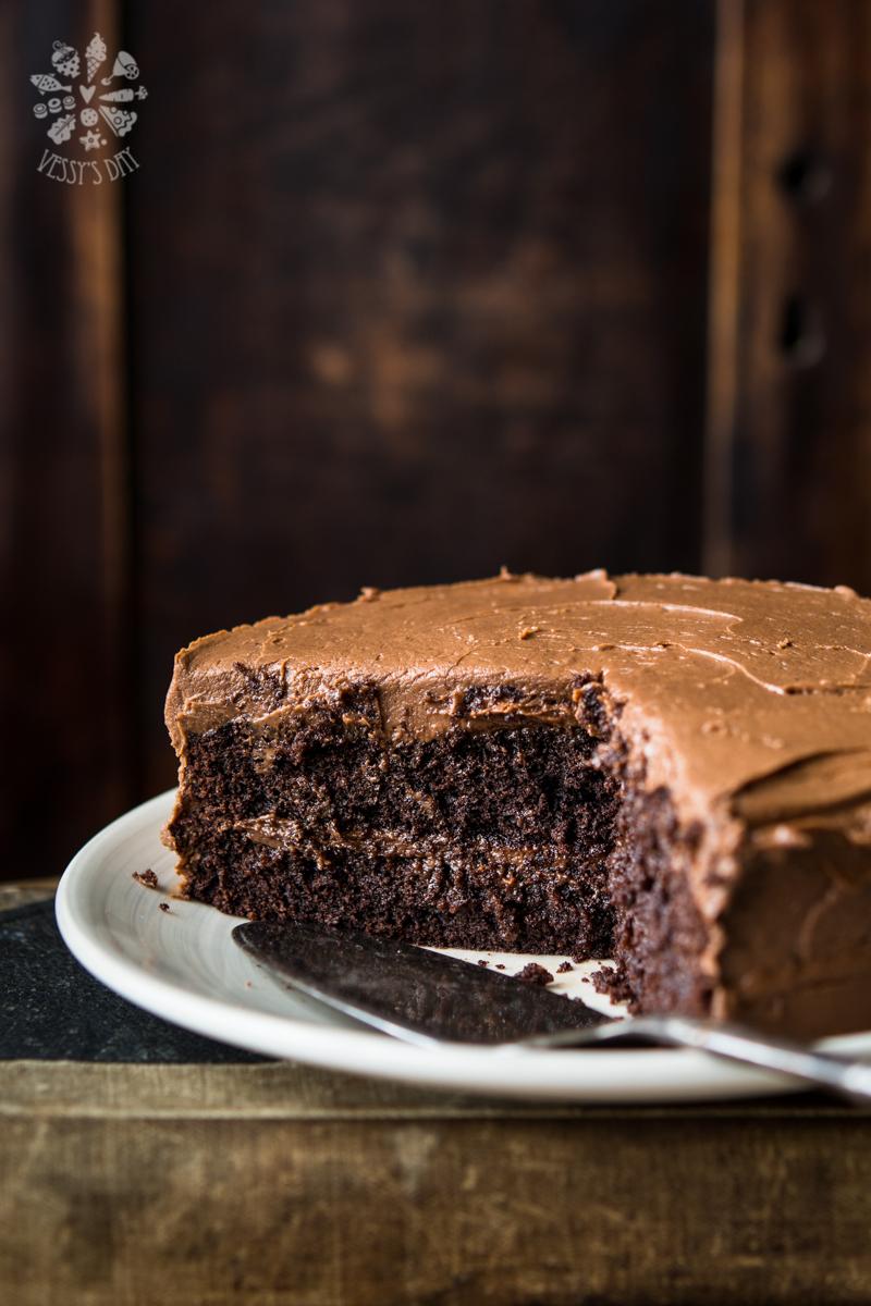 Шоколадова торта с фъстъчено масло