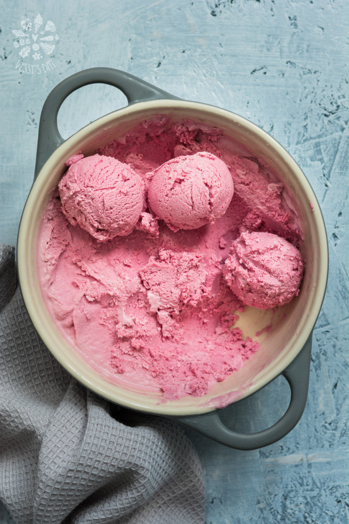 Raspberry & blackberry ice-cream-3108