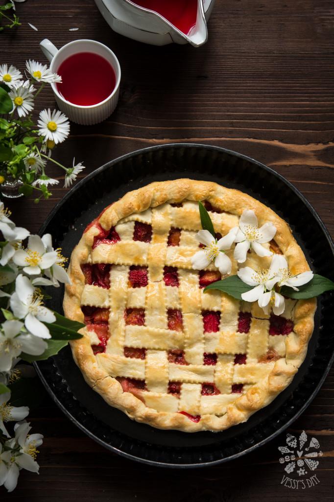 Пай с ягоди и праскови