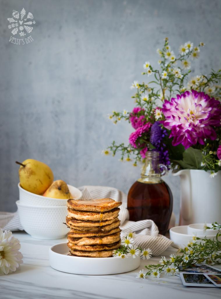 Healthy oat & banana pancakes-5910